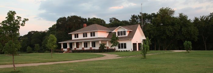 Private Luxury HORSE FARM, 1 Hour to DALLAS, TX